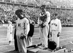 Sohn Kee-Chung sul podio delle Olimpiadi del 1936. Credits: Archivio Fidal