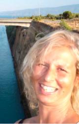 """Intervista a Beatrice Giai Gischia, autrice de """"In mezzo al mare scuro come vino"""""""