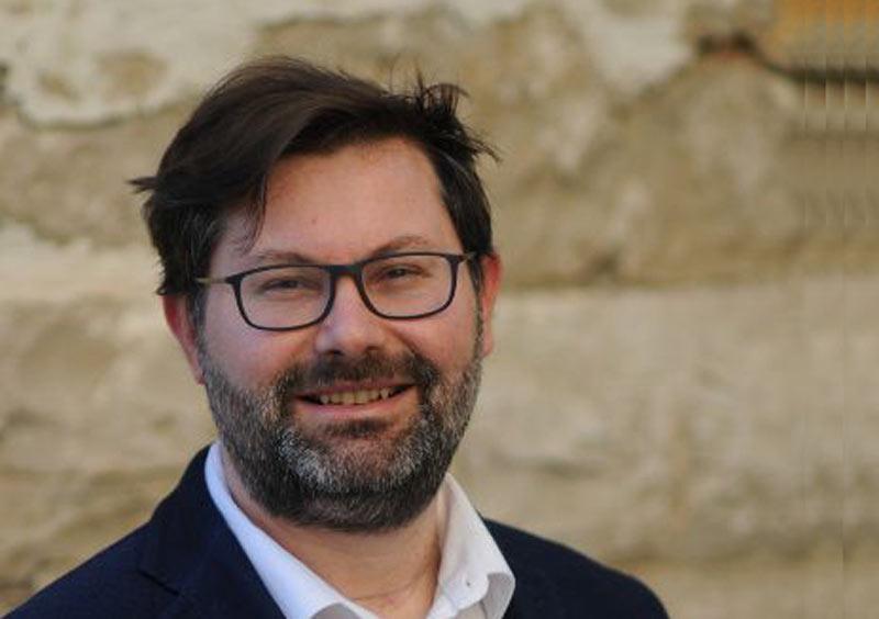Giovanni Capurso è l'autore del romanzo Il sentiero dei figli orfani, edito da Alter Ego Edizioni. Scopriamo in questa intervista qualcosa di più sull'opera e sul suo autore.