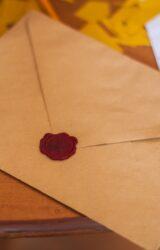 Buste da lettera, una raccolta di epistolari ci riporta a un tempo che ritorna